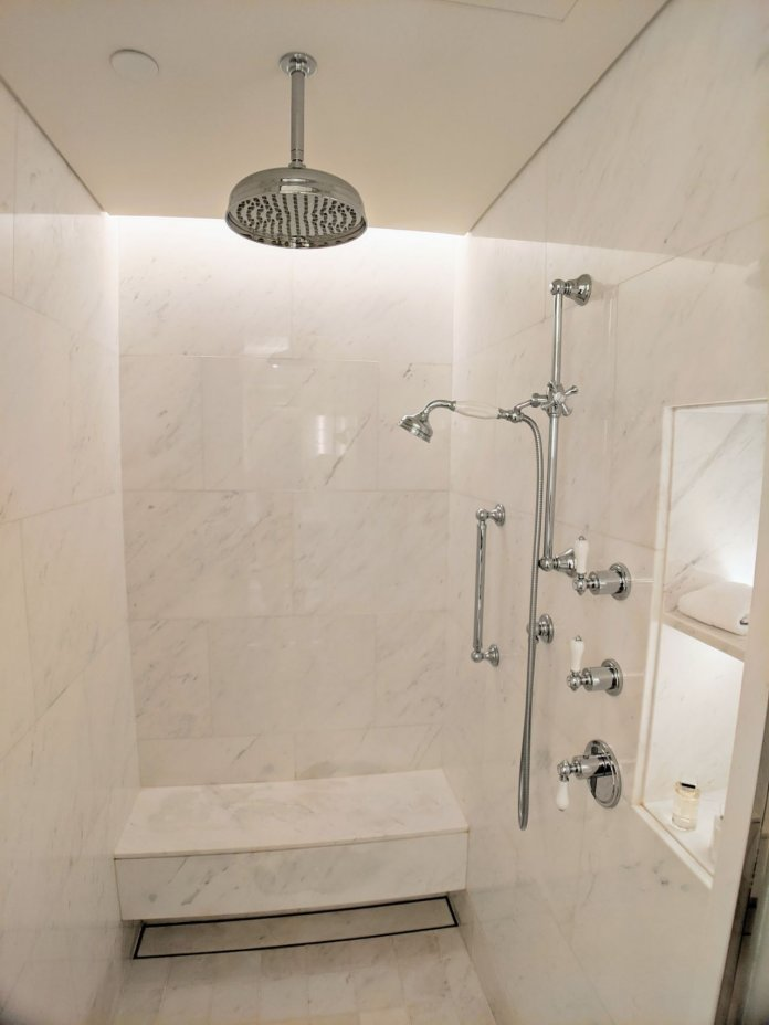 Courtyard Suite shower