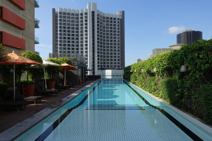 M Social Singapore Swimming Pool