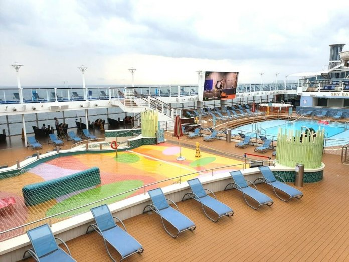 Quantum of the Seas outdoor swimming pool