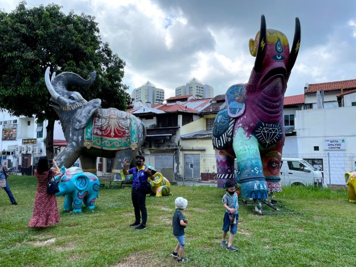 Monster Day Tours elephant sculptures